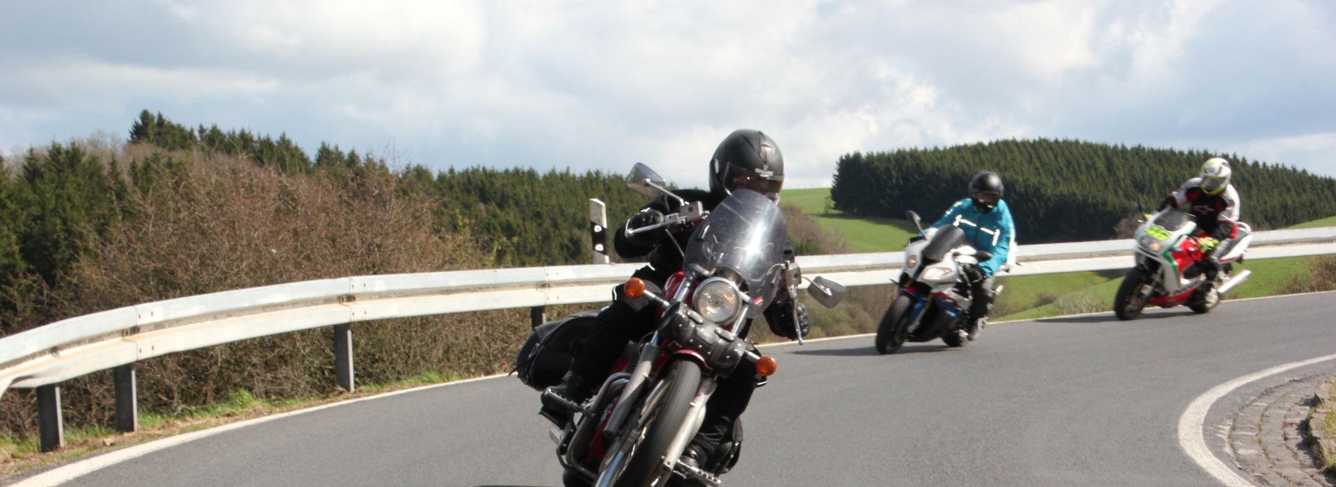 Motorrijschool Motorrijbewijspoint Sneek motorrijlessen